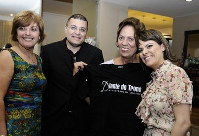 Governadora recebe grupo Diante do Trono - Elisa Elsie (7)