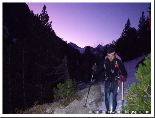 Corredor Noroeste (Izquierda) 300m AD  65º (Pico Serrato 2888m, Pirineos)