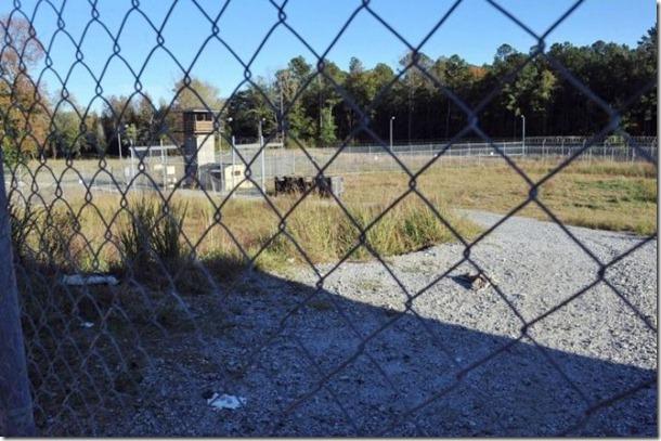 walking-dead-prison-set-22