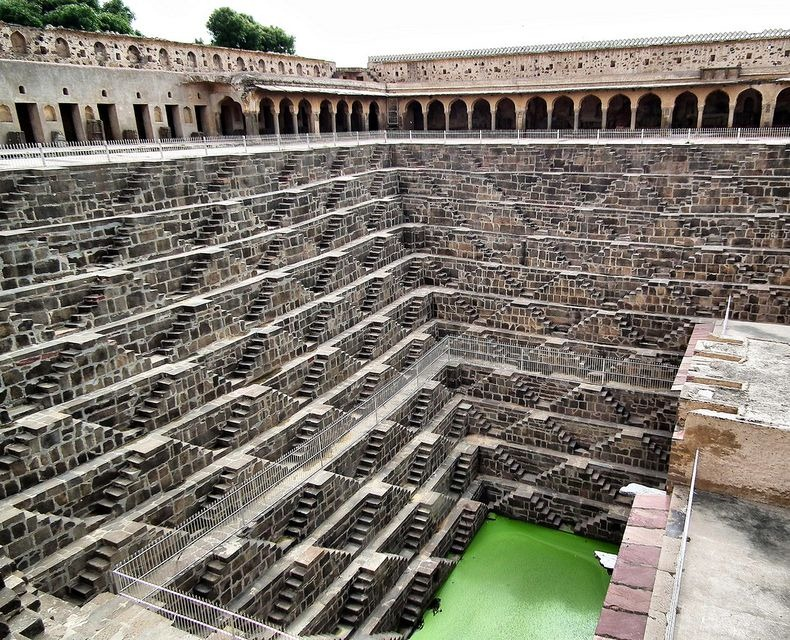 chand-baori-9