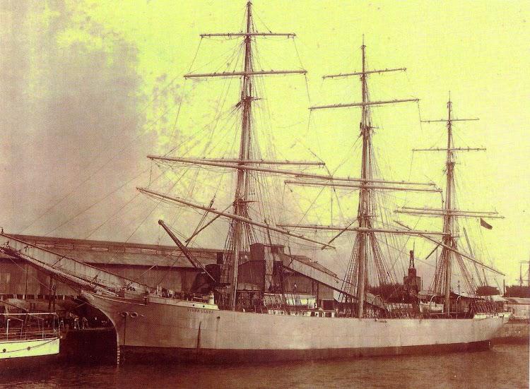La fragata VIUDA LLUSA. Del libro Els Premianencs i el Mar.JPG