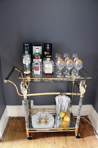 help-me-my-bar-cart-needs-a-makeover-L-J__GYB.jpeg