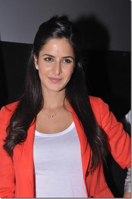 katrina-kaif-at-main-krishna-hoon-movie-pressmeet-tollywoodtv (1)