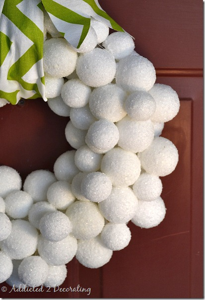 winter-snowball-wreath-1e