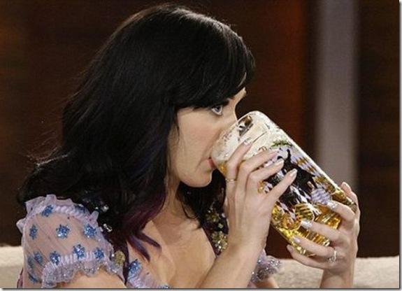 sexy-celebs-drink-beer-ee11b6