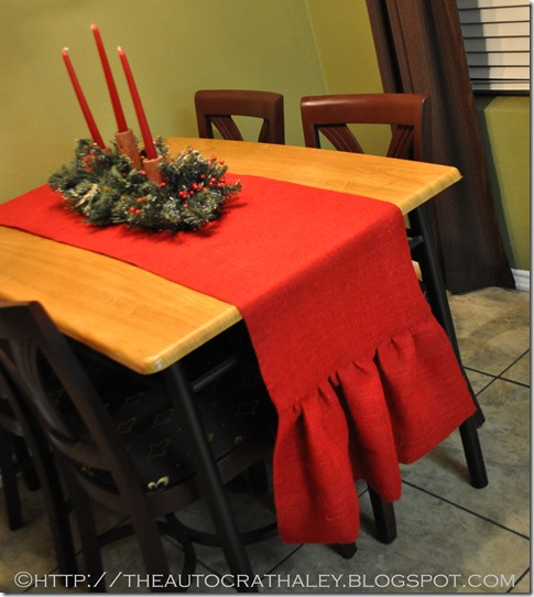 RED BURLAP TABLE RUNNER (5)
