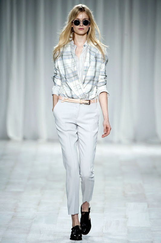 London Fashion Week - Paul Smith (Spring 2012) 20