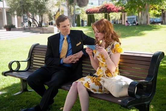 Teddy Sears is The Blue Eyed Man and Jilly Kitzinger is played by Lauren Ambrose