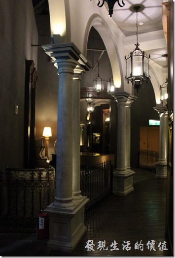 金色三麥美麗華的迴廊。