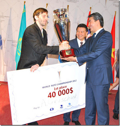 Alexander Grischuk receiving his prize