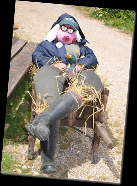 Keeper scarecrow (resized) DSC_0775