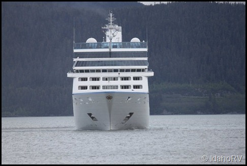 Cruise-Ship-Leaving-4