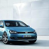 2013-Volkswagen-Golf-7-1.jpg