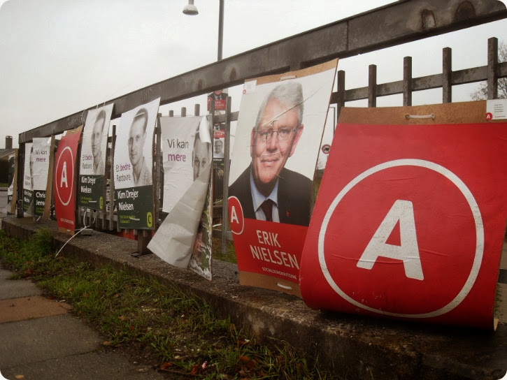 Valgplakater efter en storm...