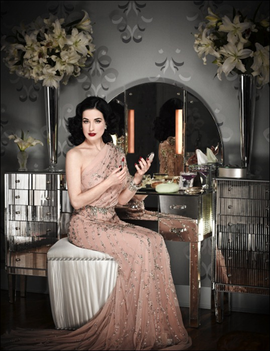 dita-von-teese-by-douglas-friedman-for-instyle-february-2011-3