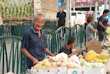 Shanghai - Marché poisson - Le vieux marchand