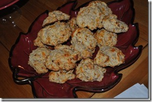 Garlic Cheese Biscuits 001_thumb[1]