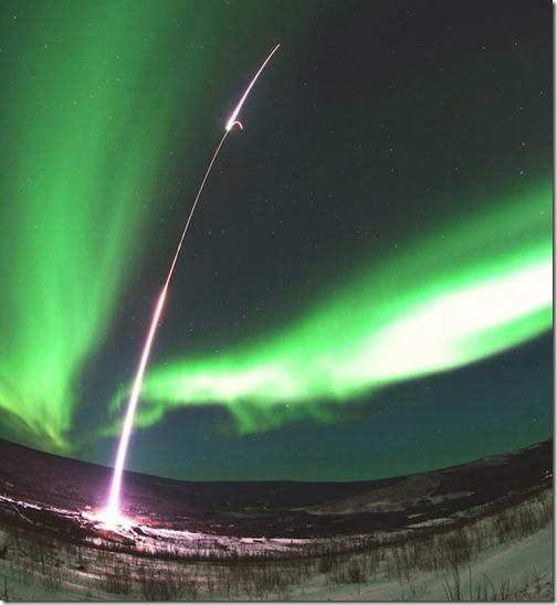 Aurora_boreal_cohete