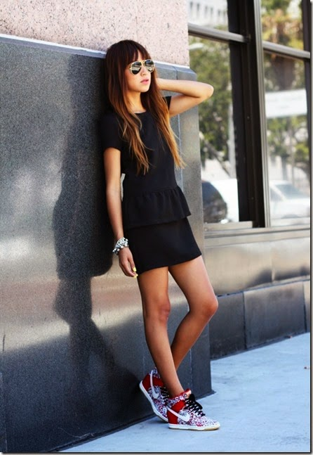 street-style-black-dress-nike-shoes