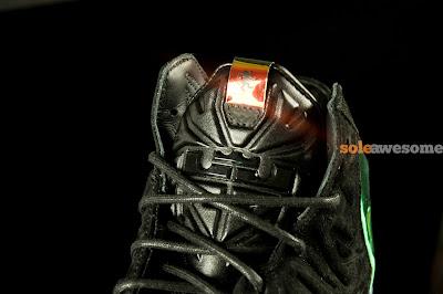nike lebron 11 nsw sportswear ext kings crown 1 08 Detailed Look at Kings Crown LeBron 11 EXT (677693 001)