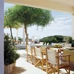 casa-contemporanea-en-la-playa-diseño-muebles-decoracion-muebles-madera