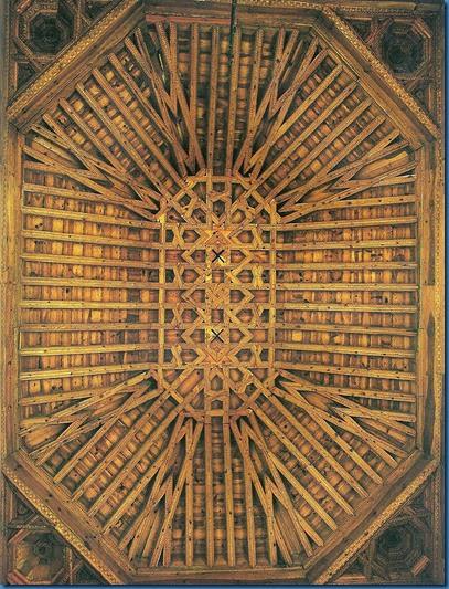 palacio Juan II artesonado techo escalera