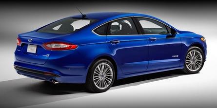 2013 Ford Fusion Hybrid Titanium rear three quarter