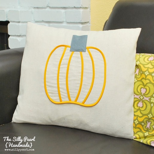 Bias Tape Pumpkin Pillow - The Silly Pearl