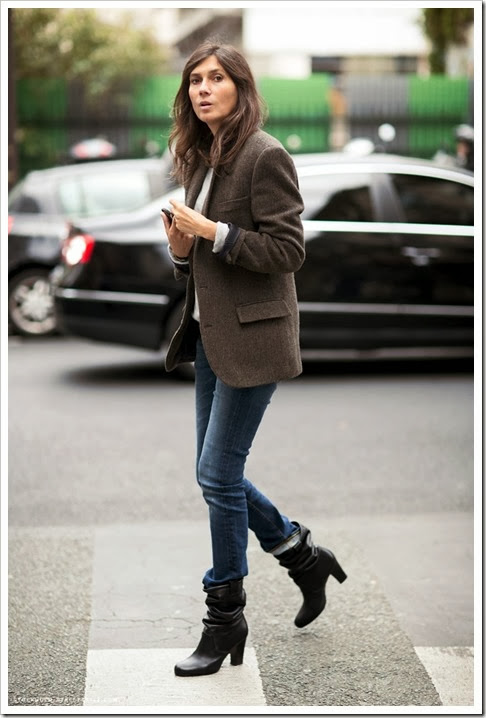 PFW-PARIS-FASHION-WEEK-SPRING-SUMMER-SS-2013-EMMANUELLE-ALT-VOGUE-PARIS-EDITOR-WOOL-BLAZER-JACKET-ROLLED-CUFFS-STRAIGHT-LEG-JEANS-DENIM-SLOUCHY-BOOTS-PARISIAN-CHIC-CLASSIC-STREET-STYLE-VIA-STOCKHOLM-STREETSTYLE-