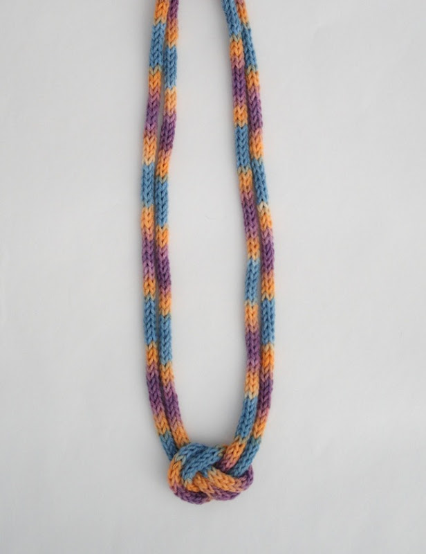 knitted knotted necklace 2b
