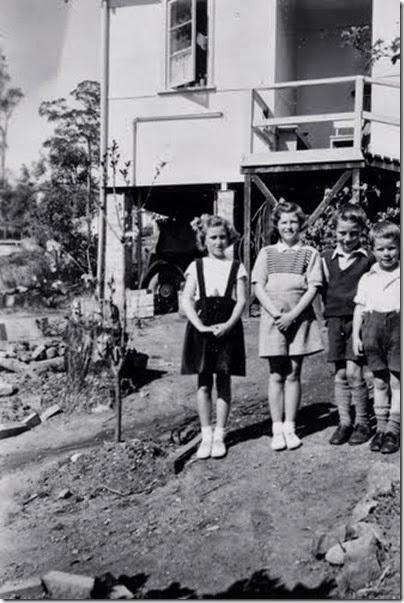 Springwood Sept 1952; Cecily, Mary, James, David