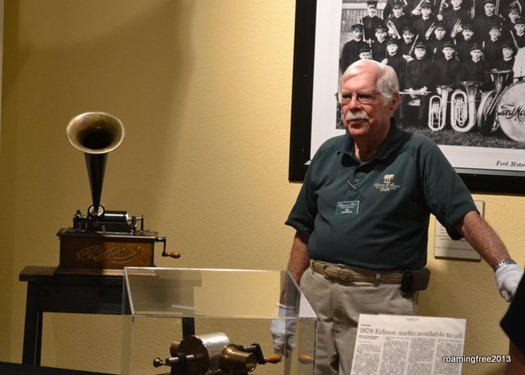 Live demonstration of the phonograph