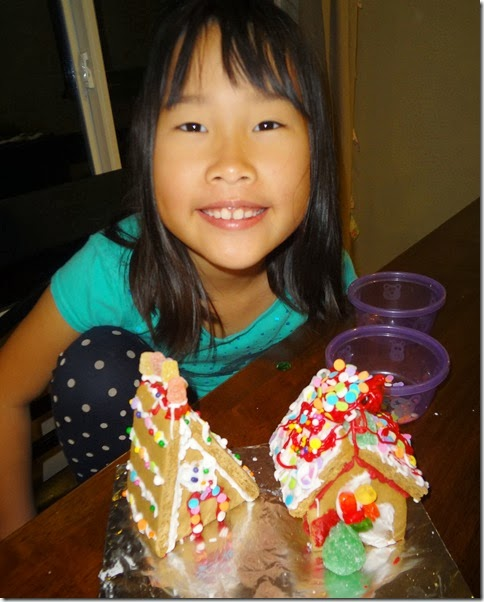 Gingerbread Houses 004