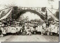 222-Tomerong-township-welcomes-governor