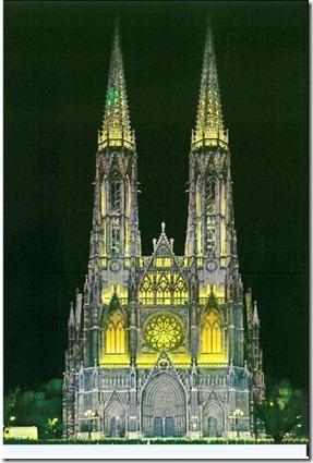 votivkirche at night