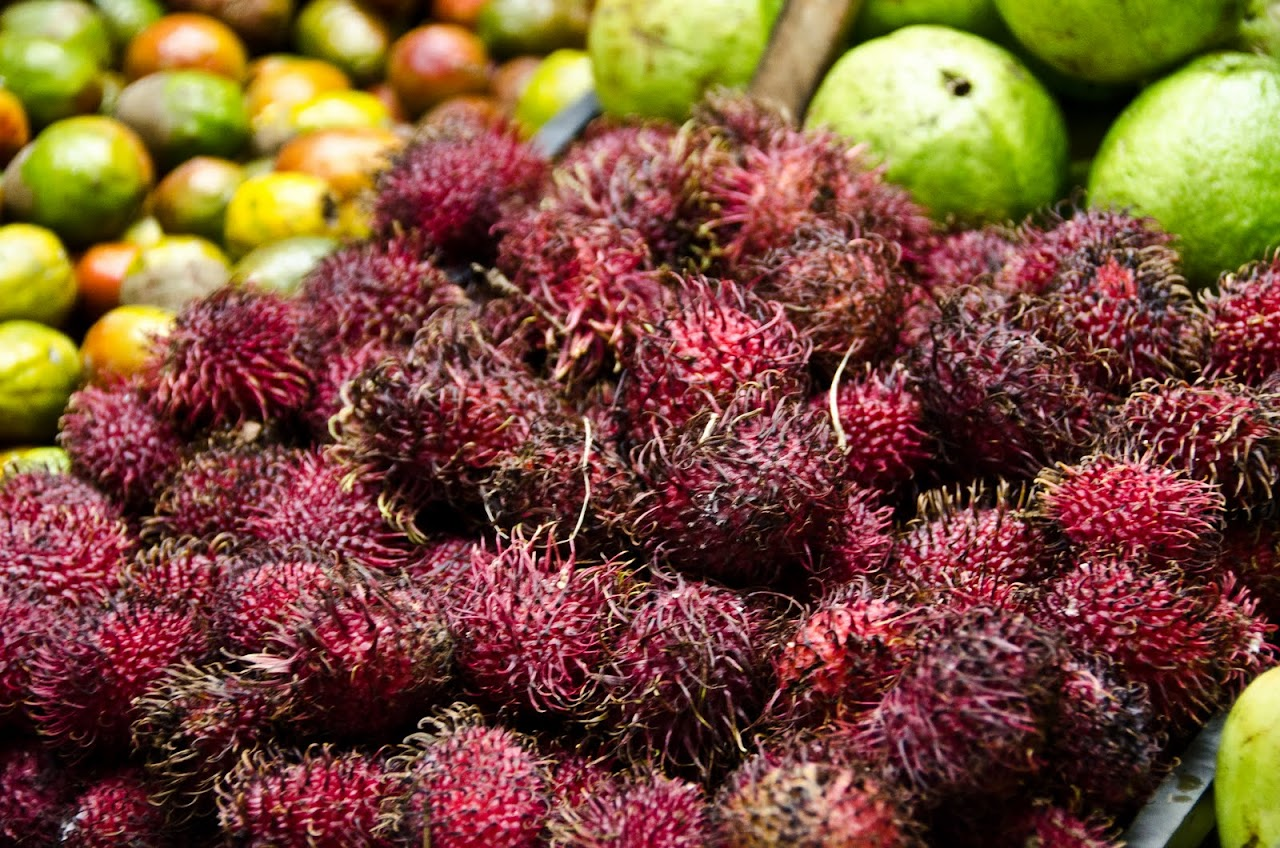 Lychees at the Mercado Central in San Jose