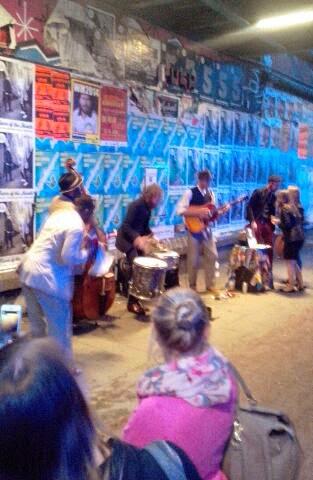 Live Musik auf der Strasse in der Sternschanze Hamburg