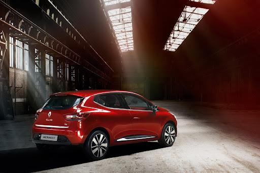 2013-Renault-Clio-Mk4-09.jpg