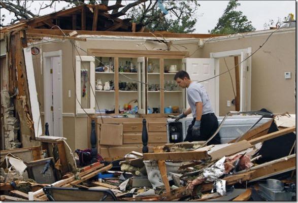oklahoma-tornado-destruction-19