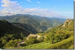 Du village, vue sur la Vallée de l'Eyrieux.