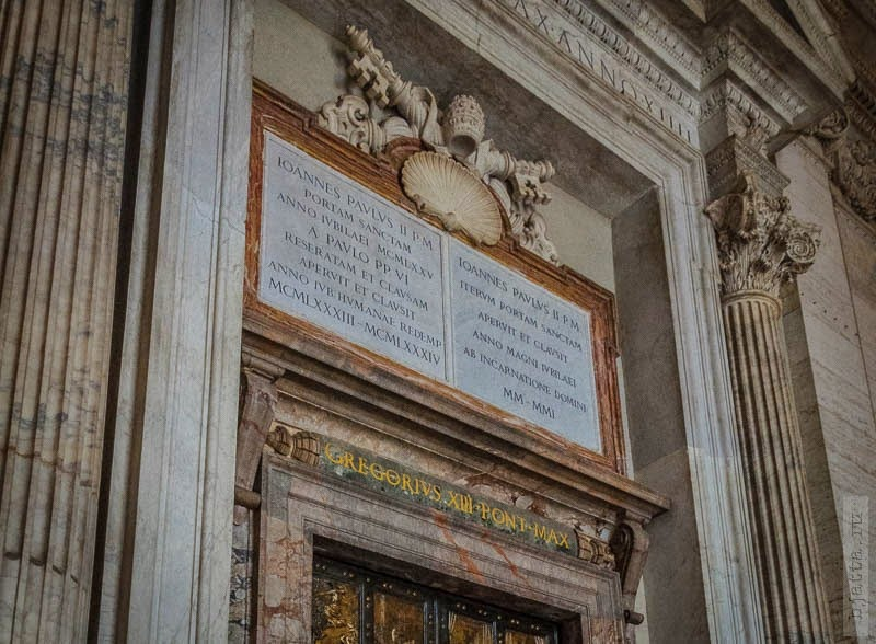 7. Двери, через которые ходит только папа. 2011, march, Italy, Rome, Vatican, март, Рим, Италия, Ватикан.