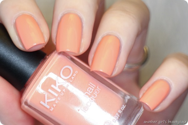 LFB Apricot 359 Light Peach Kiko swatch (3 von 7)