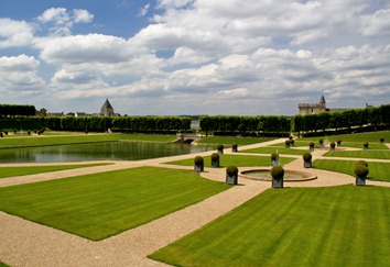 villandry-watergarden_edited-1