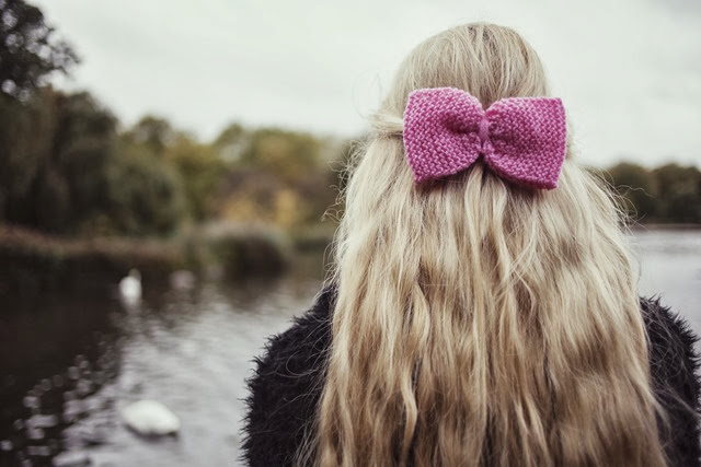 pink-knitted-hair-bow