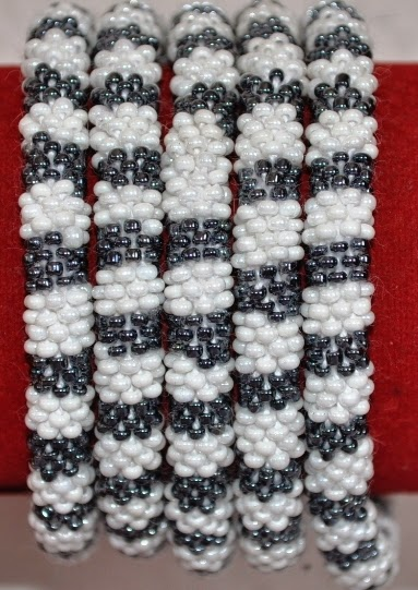Glass Bead Bracelets black and white
