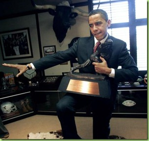 Obamaheisman trophy%202008-3