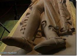 Sepulcro de Sancho el Fuerte - Piernas cruzadas - Roncesvalles