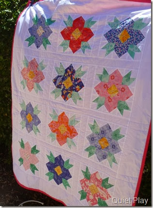 Blossoms quilt side
