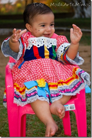 1º aninho Isadora, 05-06-2011..  Thiely  Mariano (354)