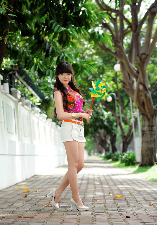 image caption: Miss Star Nguyen Minh Thy Thy   Entertainment World